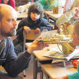 http://www.vanderwulpmuzieklessen.nl/uploads/../uploads/images/koffer.jpg