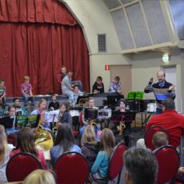 http://vanderwulpmuzieklessen.nl/uploads/../uploads/images/orkest2.jpg